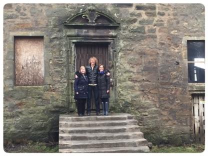 Elias, Anne, Emma at Lallybroch